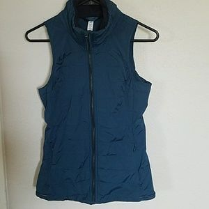 Lululemon athletica down for a run vest size 4